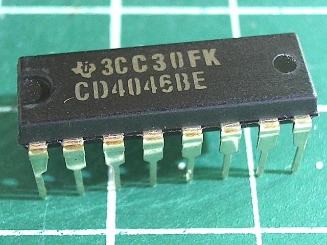 CD4046BE (1561ГГ1)